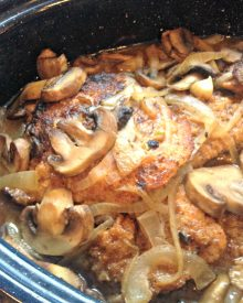 Make Ahead Cube Steak & Mushroom Gravy (Premium)